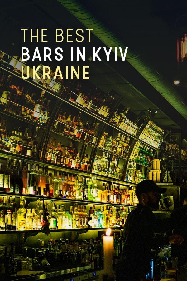 Buscando los mejores bares en Kiev, Ucrania?  Aquí hay una lista de los mejores lugares para beber en la ciudad también conocida como Kiev.  Incluye bares para todos los presupuestos, bares de cócteles, bares de cerveza, lugares para sentarse al aire libre y otros lugares de moda para salir en Kiev, Ucrania.  #ViajesUcrania #Ucrania #Kyiv